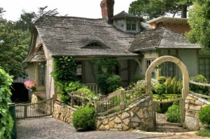 Fairy-Tale-House-in-Carmel-by-the-Sea-1
